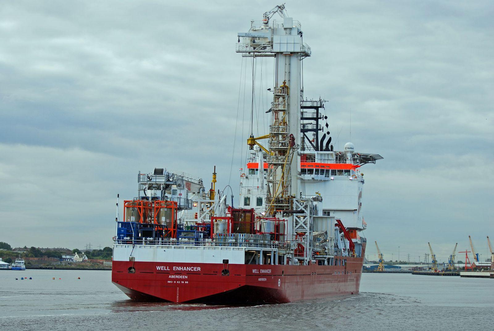 Well Enhancer - Unknown Vessels - Gallery - TrawlerPictures net
