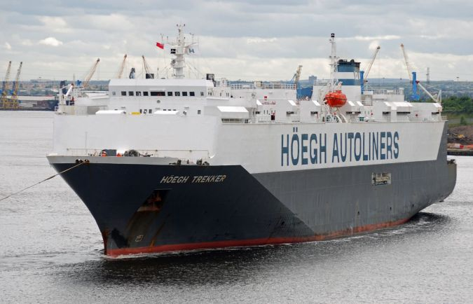 HOEGH TREKKER - Car Carriers - Gallery - TrawlerPictures net