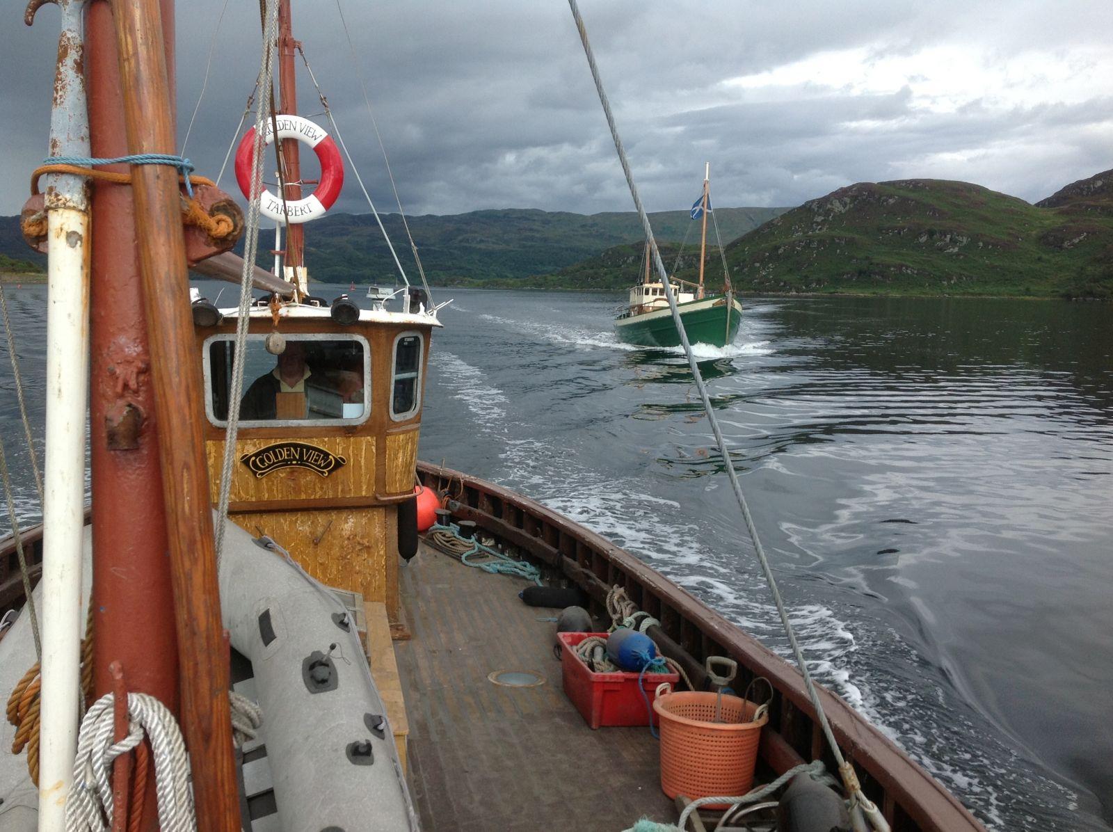 Round bute fishing boat race finish line tarbert for Round fishing boat