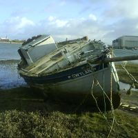 I would love to have a go at restoring this boat.